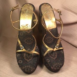 Prada brocade/leather wedge/sandal brown gold